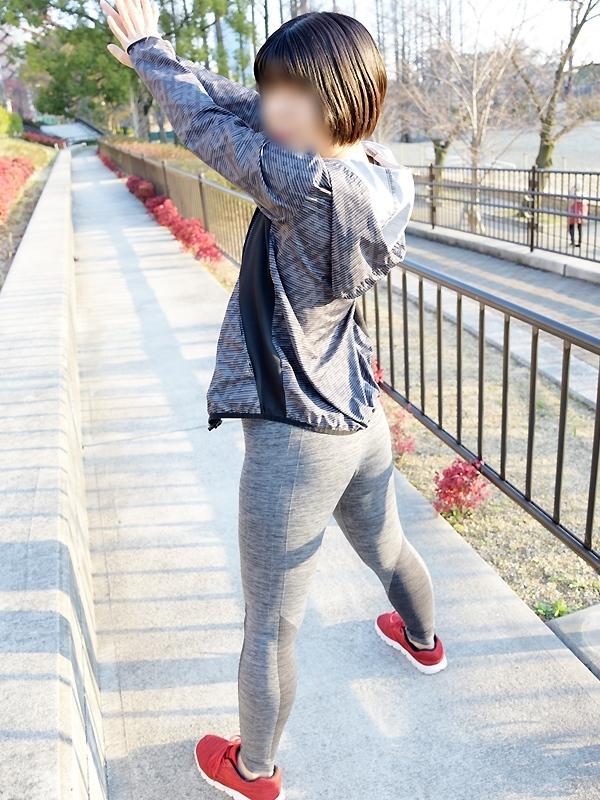 みい|京橋 密着性感ストレッチ&イメヘル【KUNKA KUNKA  クンカクンカ京橋】〜 新感覚の健康×密着性感フィットネス風俗&イメヘル|エロさわやかなスポコスGALのフェロモン全開&密着レッスン!したたる汗とエッチな匂いで、ギンギンに膨らんだアナタを逆視姦しちゃいます♪〜ホテルヘルス&デリヘル(京橋 待ち合わせ) 店舗型風俗店 大阪